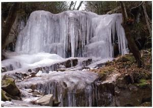 入選「氷壁(屏風の滝)」
