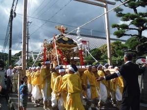 公智神社の神輿