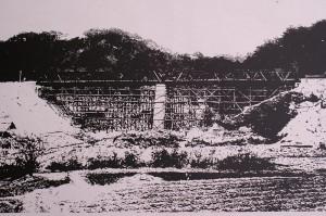 鉄道建設中の橋脚