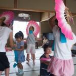 詠歌踊りの練習2