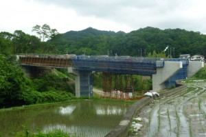 バイパス高架橋