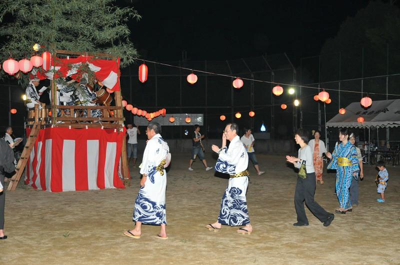 名来地区の盆踊り