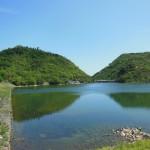 金仙寺湖面に映る丸山