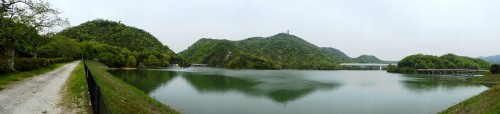 新緑の金仙寺湖畔