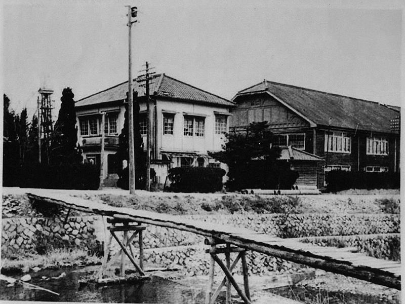 役場と山口小学校