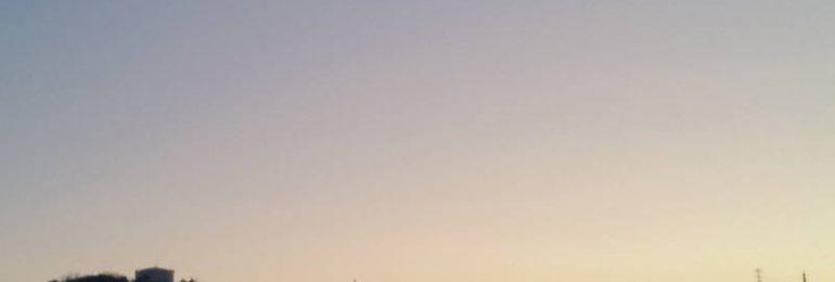 国道176号沿いの夜明け